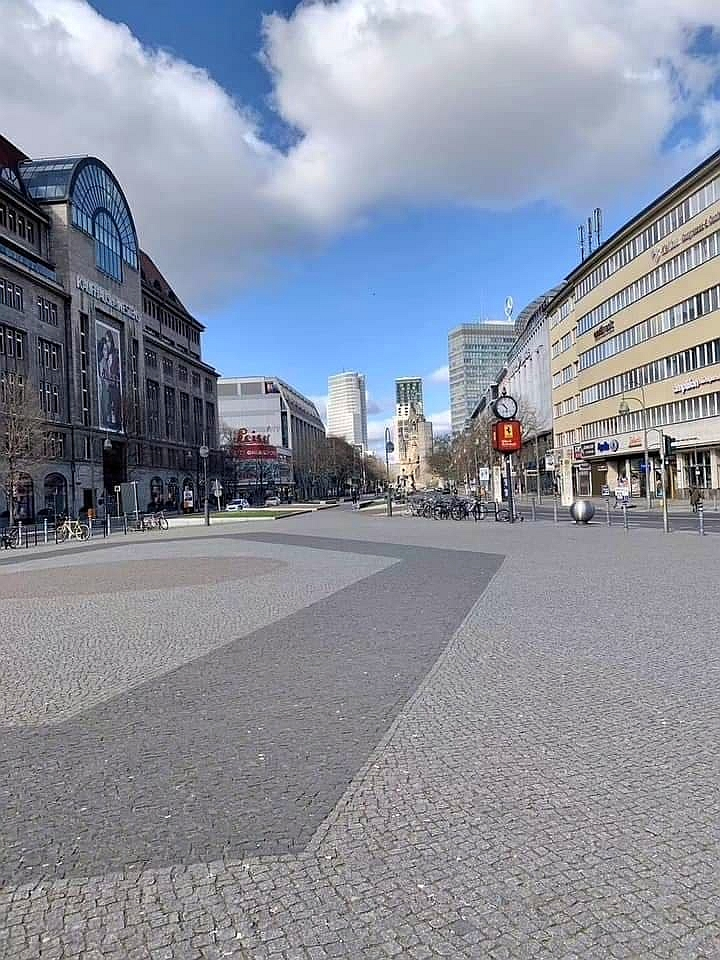 空無一人的柏林街道