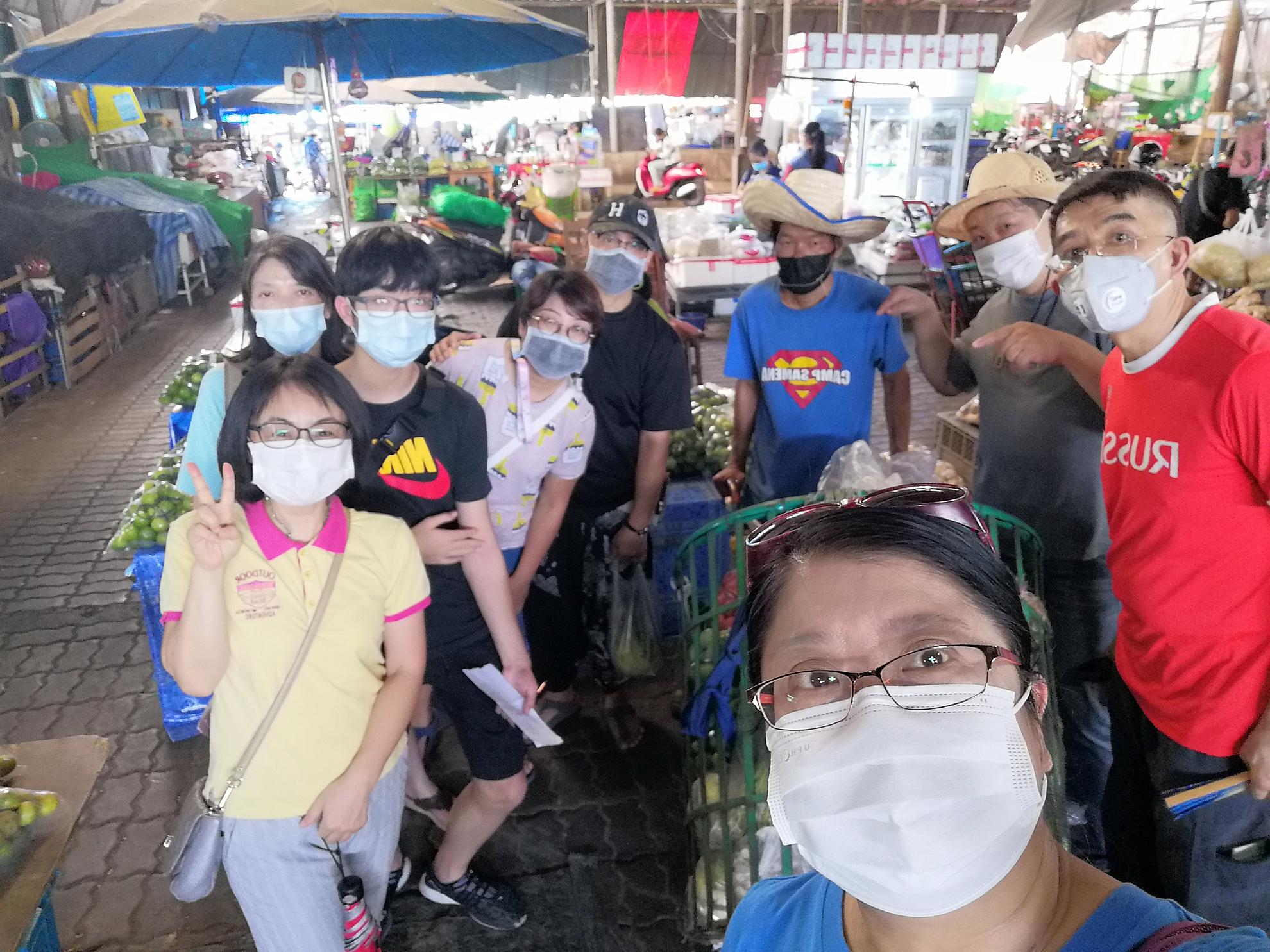隔離期間,悅語堂弟兄姊妹幫忙去菜市場買菜