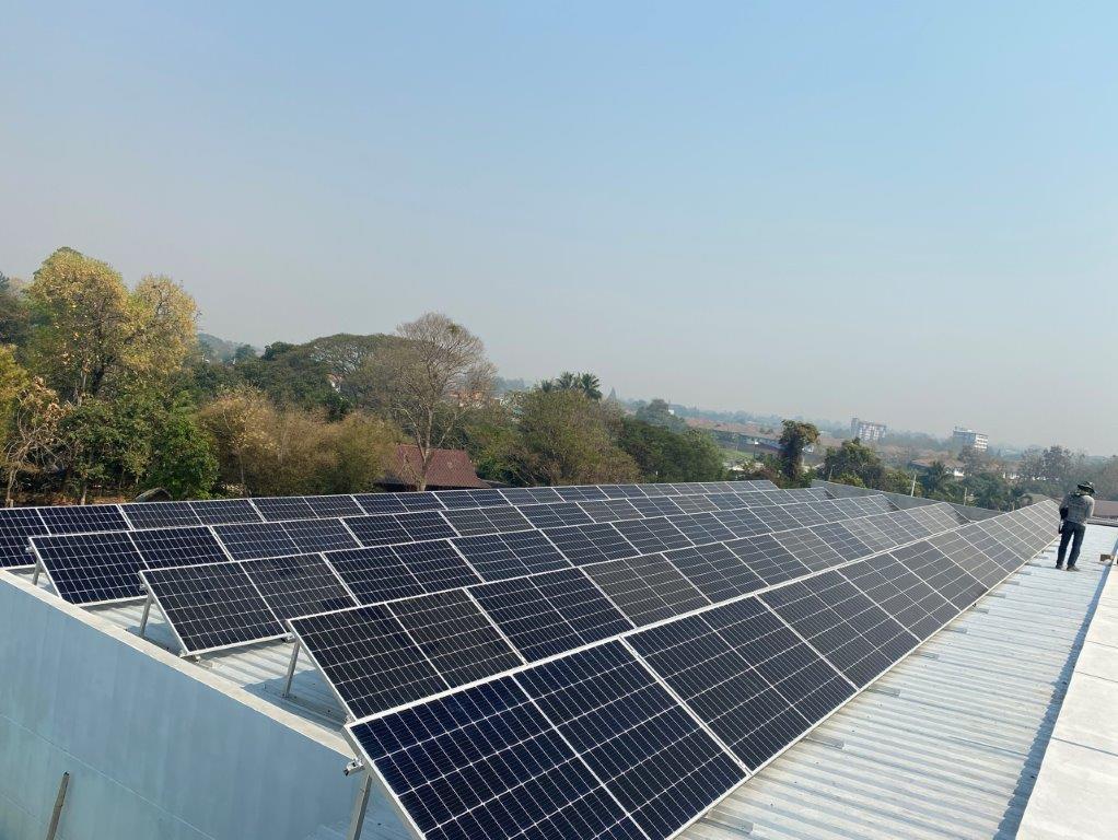A2座屋頂安裝太陽能系統