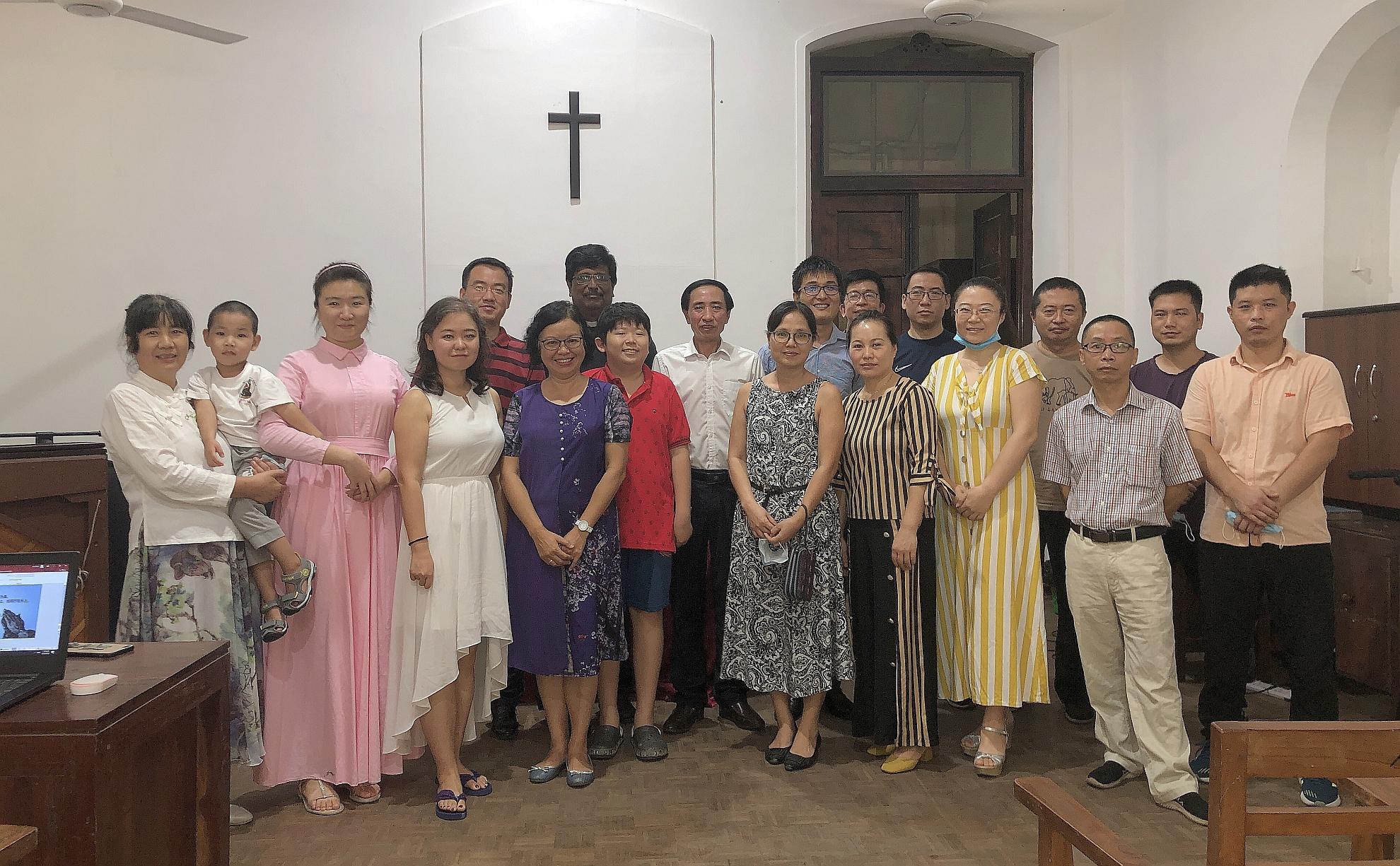 9月27日華人教會主日崇拜後合照